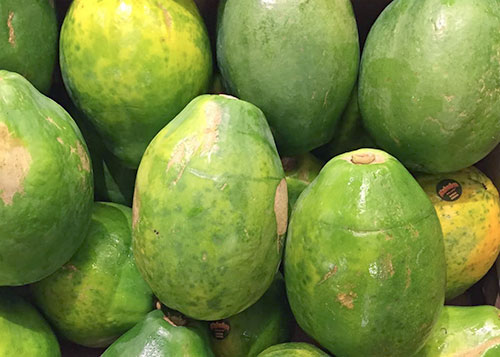 Avoid stacking papayas to prevent bruising
